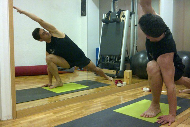 Classes de hatha ioga a Barcelona a l'Eixample Diagonal amb Francesc Macià prop de les Corts, Sants, Sarrià Sant Gervasi, Gràcia, La Bonanova, Turó Parc.