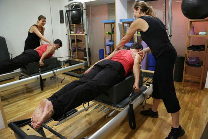 Pilates per millorar i alleujar les malalties de columna ( escoliosi, hèrnies, protusiones, espondilosis…)