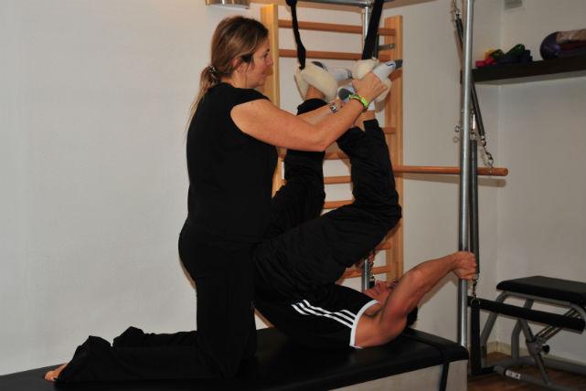 Pilates per a rehabilitació i millora de disfuncions de l'aparell locomotor.