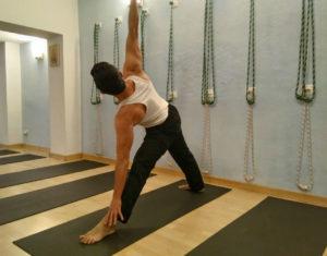 Centros-Yoga-Barcelona-columna-y-escoliosis