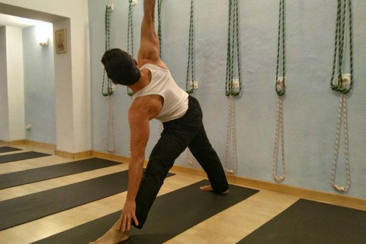 Hatha Yoga | Yoga Iyengar | Columna vertebral y escoliosis